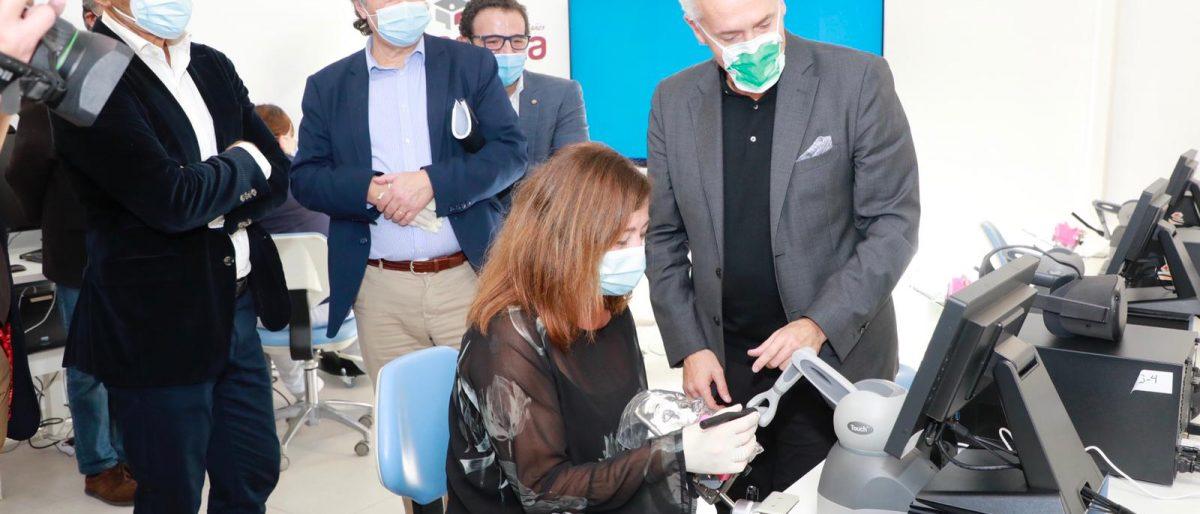 Enlace permanente a:La Escuela Universitaria ADEMA incorpora un espacio de simulación 3D háptica y holográfica, referencia mundial en el sector de la Odontología